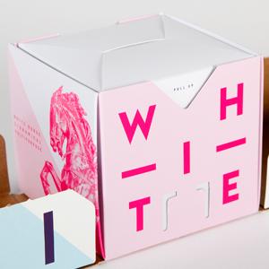 фиолетовые буквы на упаковке