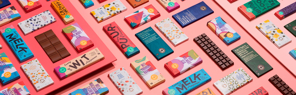 яркие упаковки с шоколадом