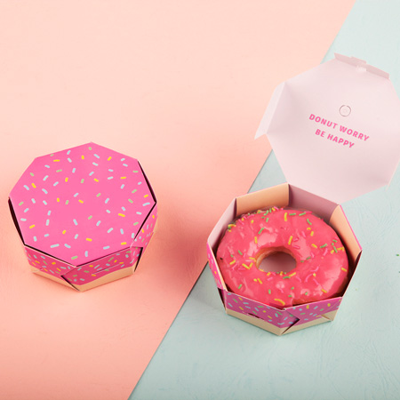 упаковка с пончиками